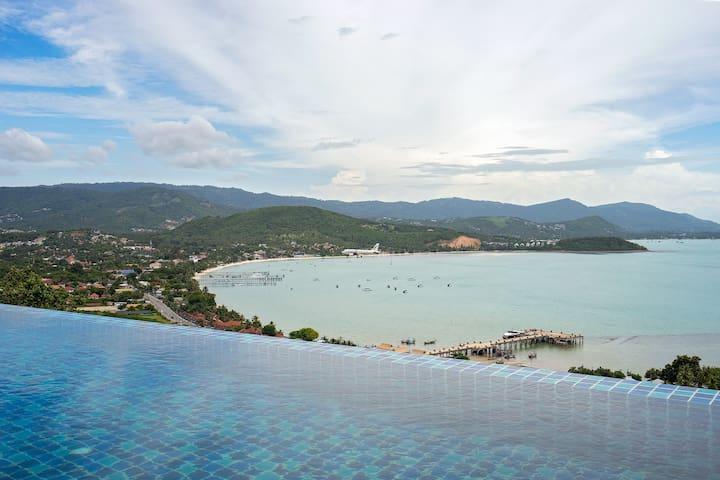 "Luxury Sea View Apartment ""G"" @ uniQue Residences"