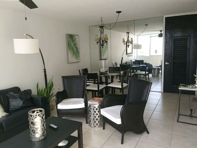 Pasito Beach Front 2 Bedroom WIFI with Parking