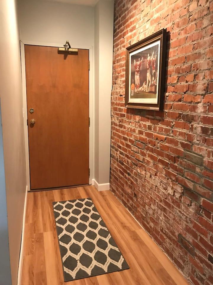 Charming 2 Bedroom Condo