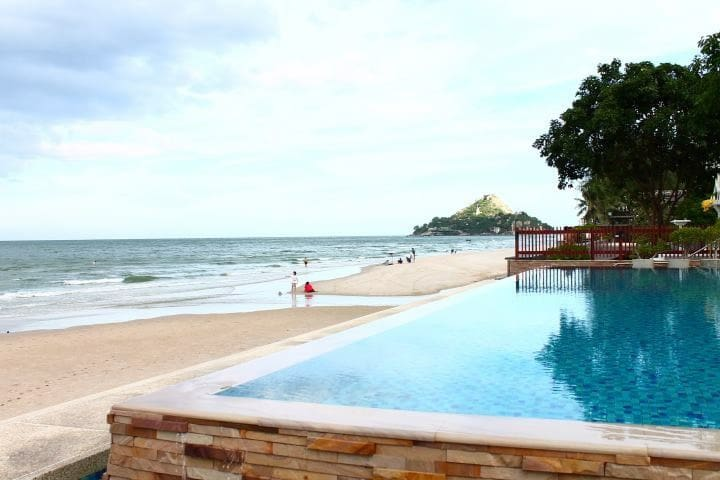 Beachfront 2 bedrooms baan suan rim sai hua hin