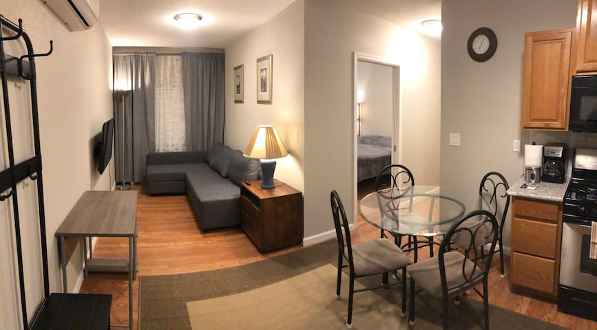 Spacious apartment close to Downtown Sacramento