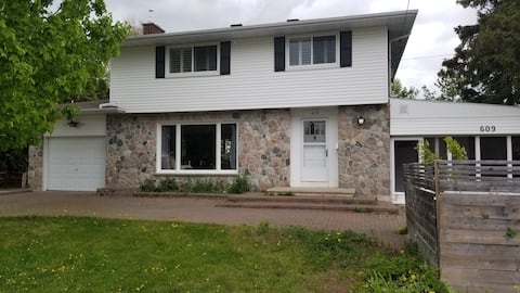 CM Properties, We Care. Large Clean Executive Home
