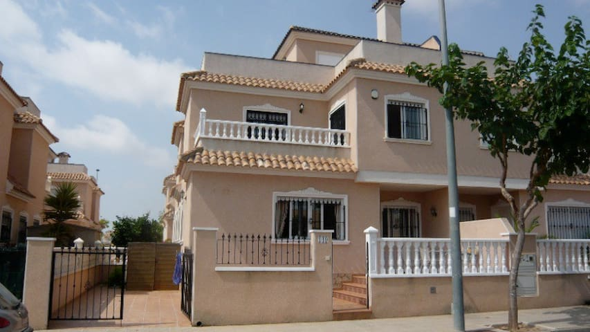 2 BEDROOMED TOWNHOUSE NEAR AMENITIES 3 - Torre de la Horadada - Casa