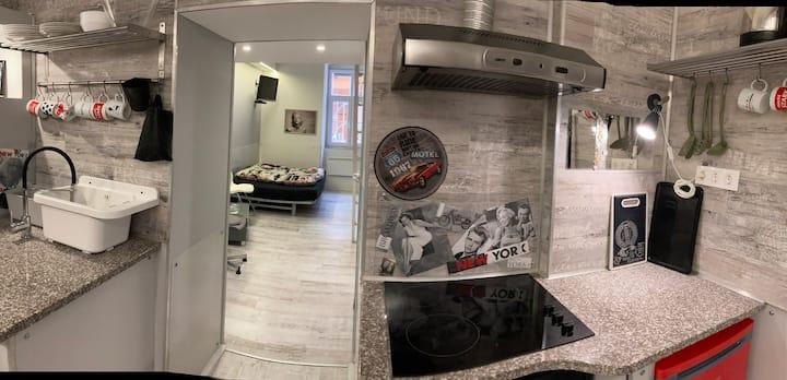 "Marilyn Sity Center apartment""Beatrix"""