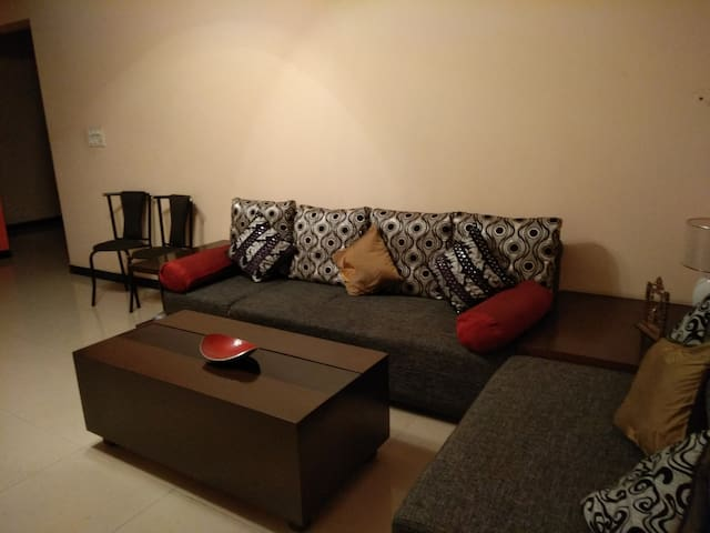 Quiet and Serene 5 bed, hall kitchen apartment