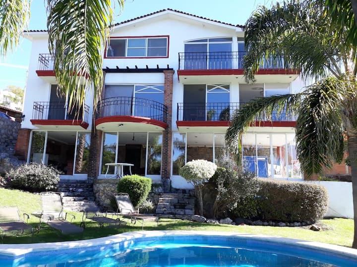 Maravillosa Casa de descanso en Ixtapan de la Sal
