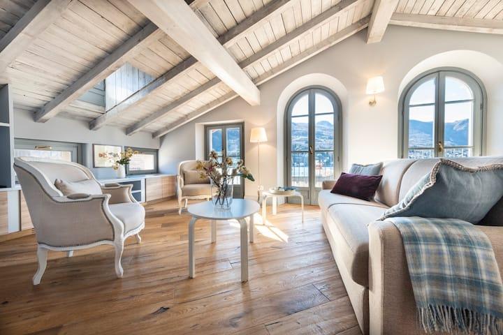 Isola Bella Apartments, Via del Voltone