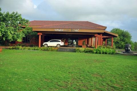Prathamesh Funland Holiday Resort (Executive Room)