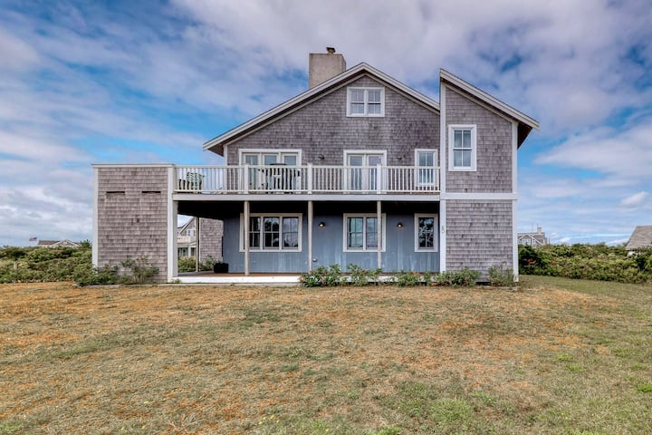 Ocean view home w/ furnished wrap-around deck & gas grill - dogs welcome!