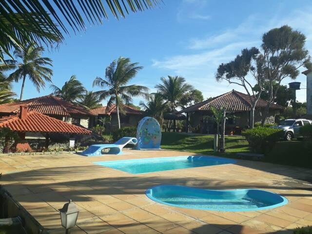 BANGALÔ de frente a Praia de Guaratiba/Prado-Bahia