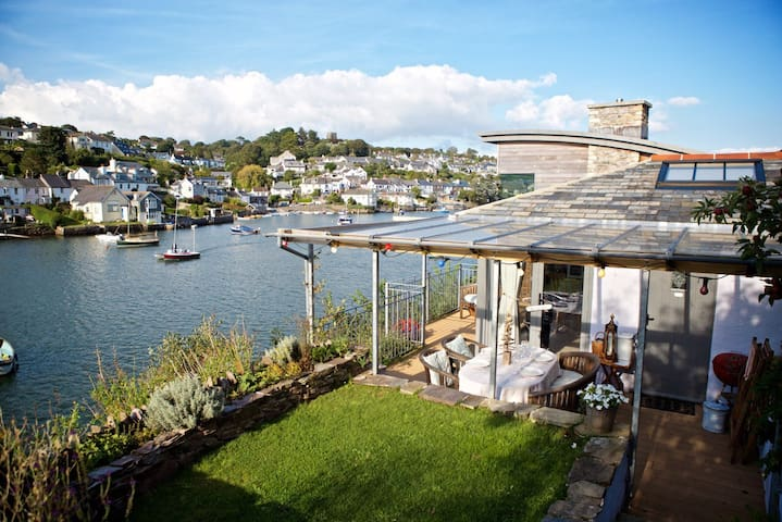 The River Room at 1 The Point - Noss Mayo