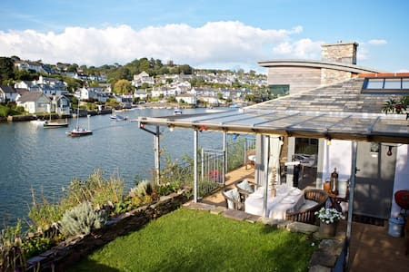 The River Room at 1 The Point - Noss Mayo - Chalet