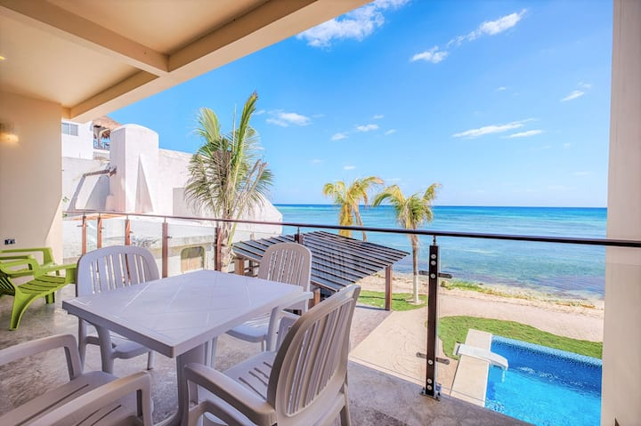 Gorgeous brand new condo on the beach with a pool!
