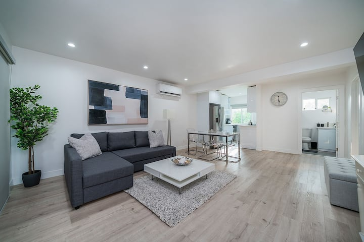 STYLISH & SEXY 1BR APT,  PERFECT FOR A STAYCATION!