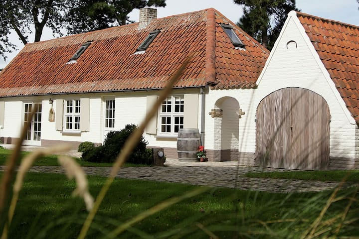 Luxurious holiday home with large garden, sauna and not far from the beach of Koksijde