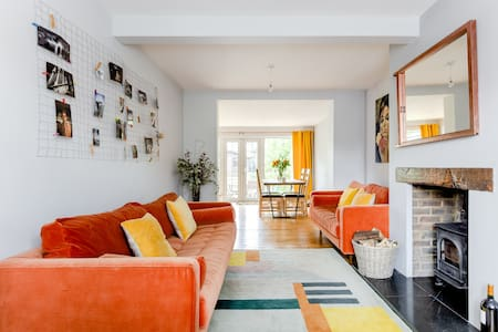 Colourful Retro-Inspired Residence with Backyard