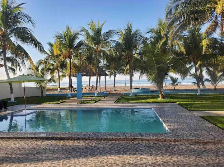 Beautiful beach house: Rancho las Palmeras