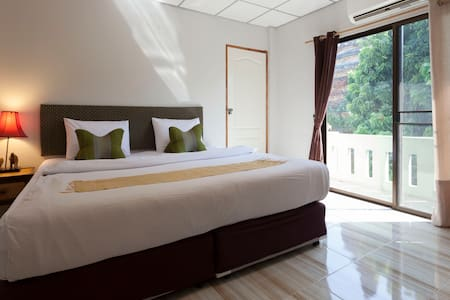 Chiangmai Guesthouse Large Family room city center - Chiang Mai