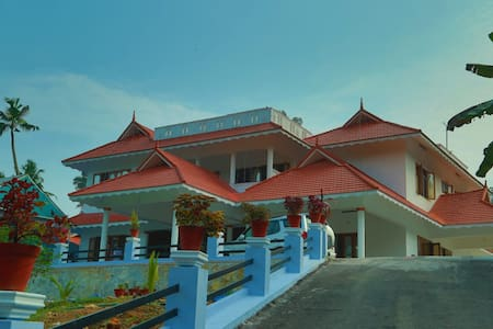 Grand Villa for Famiily , homestay , resort feel