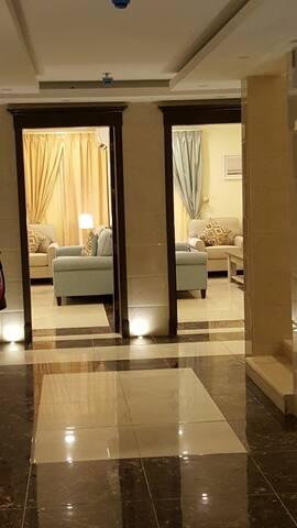 Platinum AL Azizah