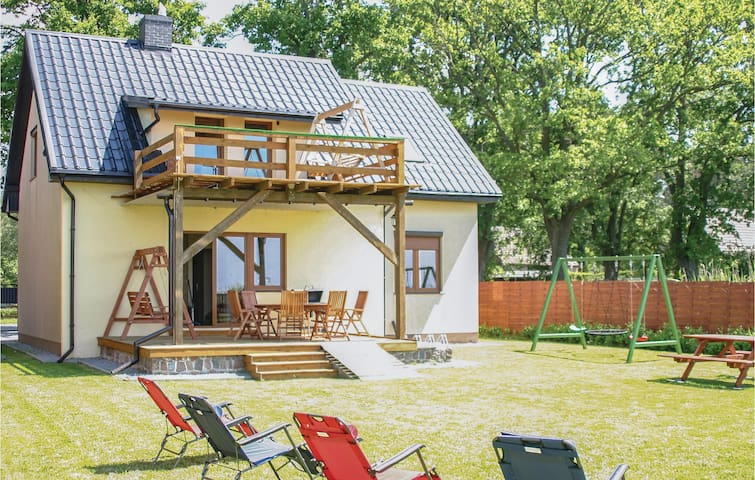 Holiday cottage with 4 bedrooms on 126m² in Nowe Warpno