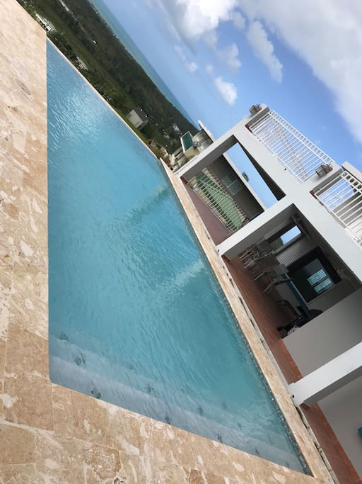 NEW 15' x 30' Salt Water INFINITY private pool