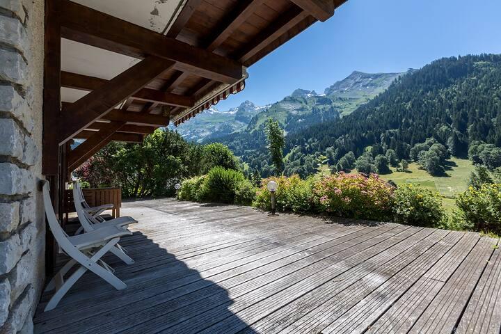 Appart 1 ch - 5 pers - Grande terrasse Sud - WIFI - La Clusaz - Casa