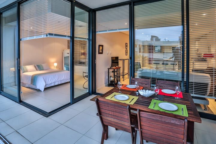 Beacon Rock Deluxe 3 Bed Apartment - Umhlanga