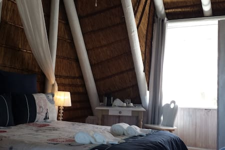 Beach Style Cottage with Seaview... - Langebaan
