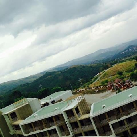 Mountain-Top CONDOTEL Staycation