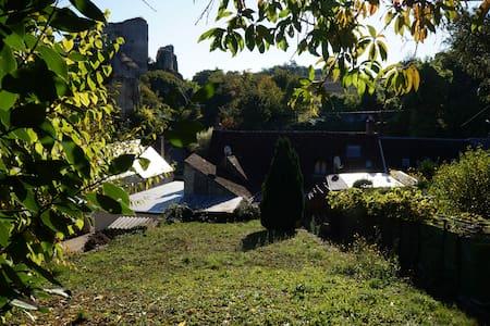 Maison de ville face aux vestiges du Château - Montoire-sur-le-Loir - Apartemen