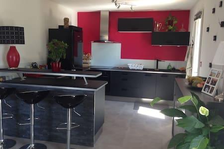 Maison de 75M² à 15 mn de la plage - Montbazin