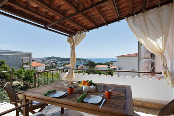 """Perfect  Hvar apartment"" for 2"