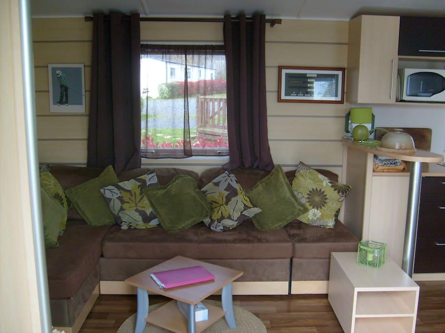 Bessin lounge area