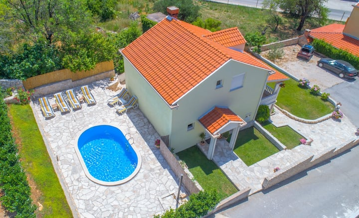 Villa Tina with private pool