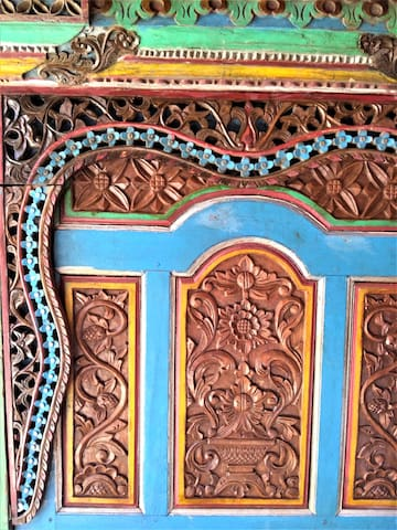 details crafted decoration