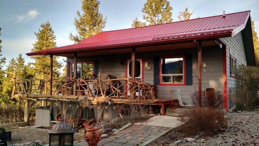 Montana-Lake Koocanusa, Cabin Rexford MT