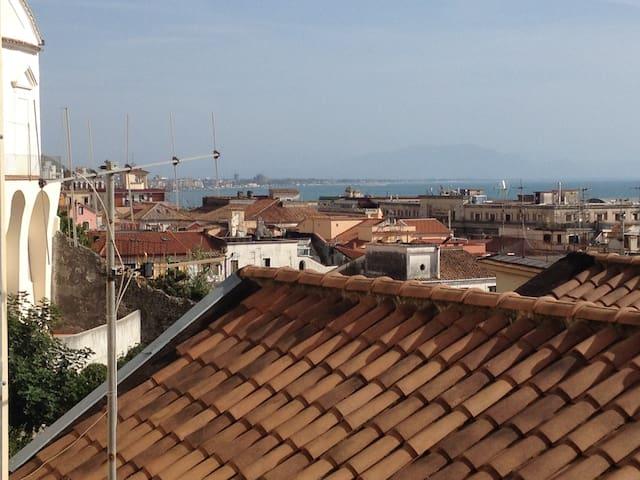 B &B  Fronte al Porto - Salerno - House