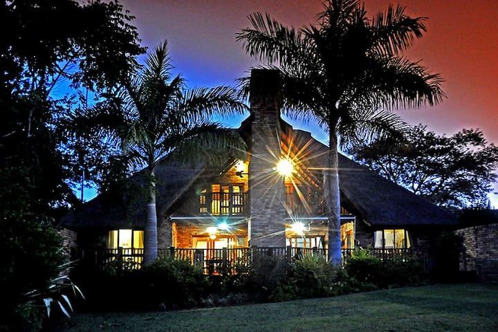 Khutso Lapeng, Kruger Park Lodge - Hazyview - Chalet