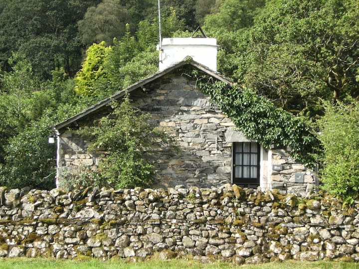 Wren Cottage on Coniston Water, pet-friendly