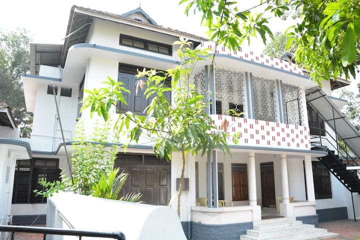 Traditional Villa at  Thrissur near Cherai Beach
