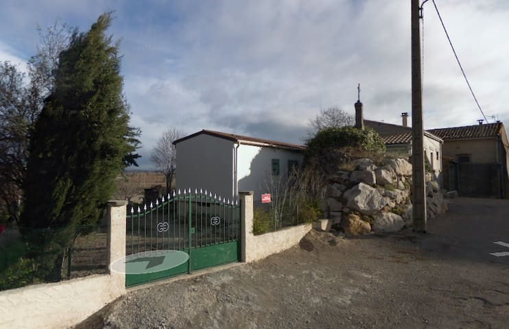Maison avec jardin au calme dans les Corbières