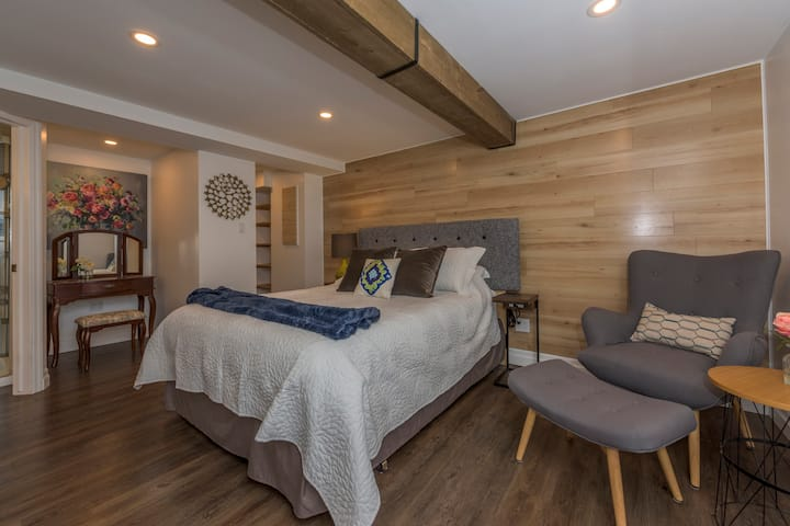 Old North's modern and private guest suite