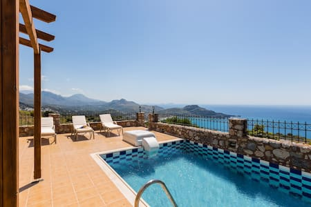 Villa Michalis, view to Libyan sea! - Sellia