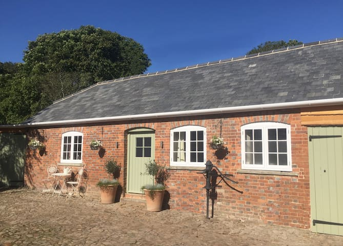 Open Plan Barn near Hungerford & Marlborough - Froxfield - Kabin