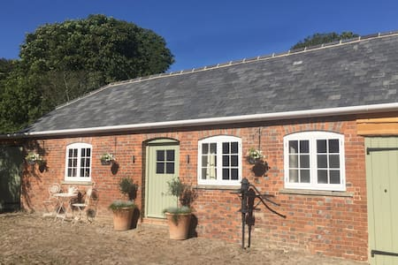 Open Plan Barn near Hungerford & Marlborough - Froxfield - Stuga