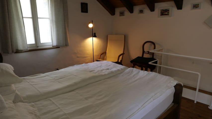1 OG Schlafzimmer