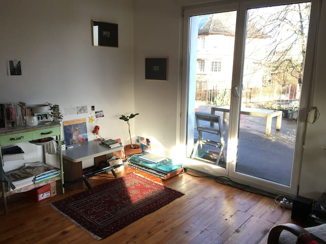 Cheap and nice room in shared flat at Froschberg
