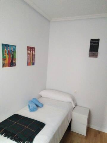 Habitacion privada para 1 persona  baño compartido - Madrid - Pis