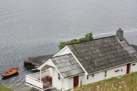 Tausastova i Hardangerfjorden